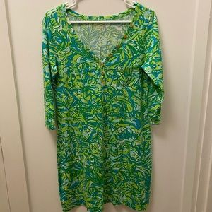 EUC Lilly Pulitzer Tshirt Dress with Gold Buttons